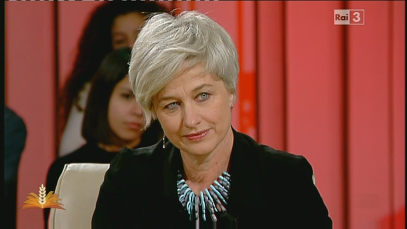 Italian writer Giovanna Zucconi on national Italian TV channel Rai 3 with Paolin fashion jewellery bijoux 2