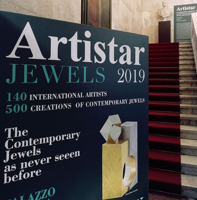 Paolin 3D printed jewellery at Artistar Jewels 2019 entrance